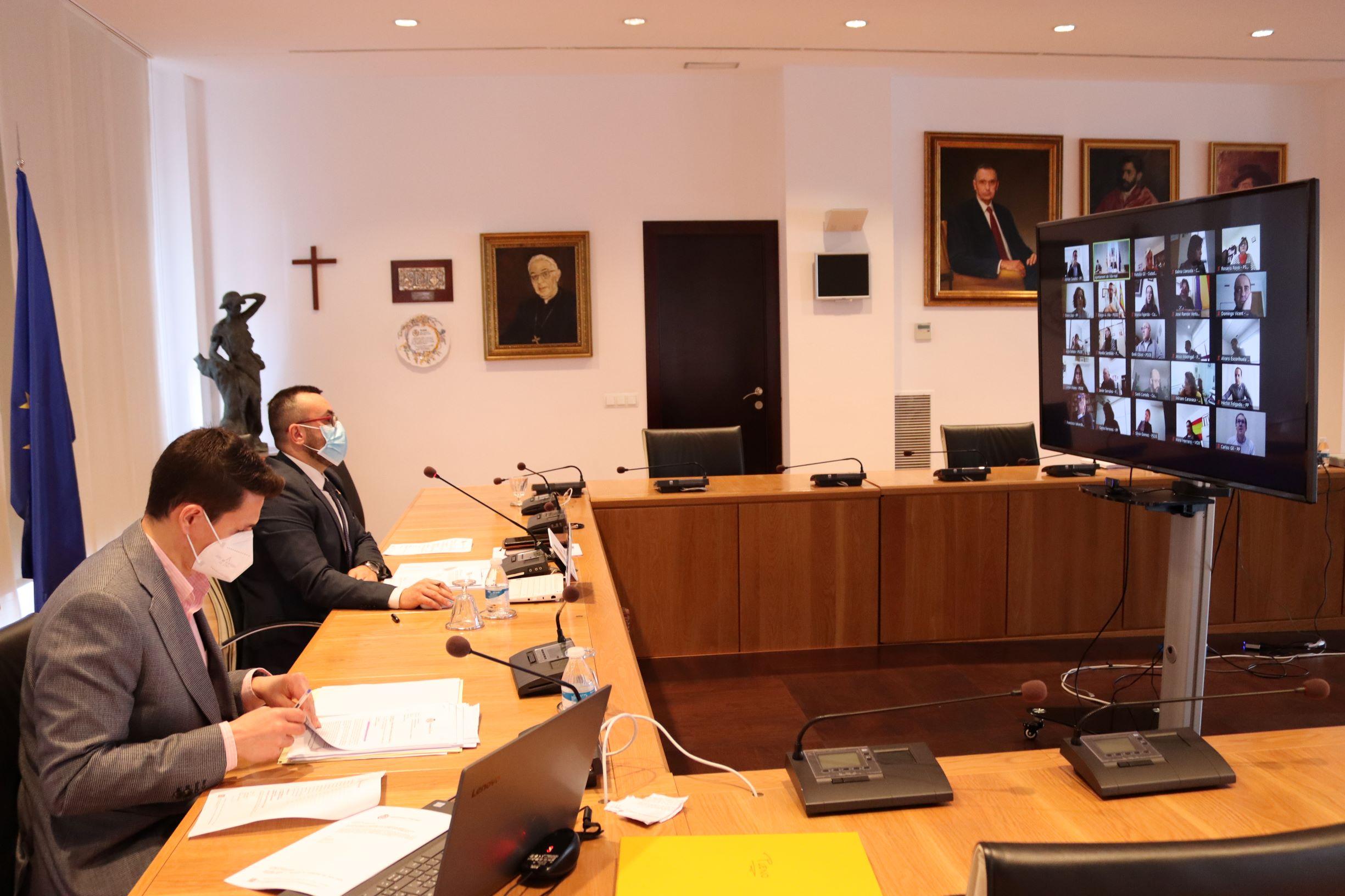 El Pleno ordinario del Ayuntamiento de Vila-real, muestra el apoyo unánime de los grupos políticos al sector de la hostelería y el ocio local ante los efectos de la covid-19