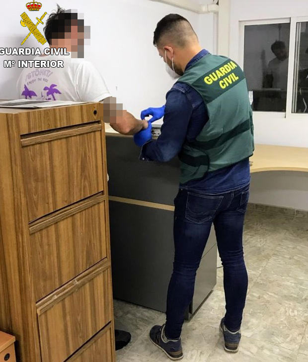La Guardia Civil detiene en Benicàssim a un fugado de la Justicia de Montenegro que era buscado por su pertenencia a organización criminal y tráfico de drogas