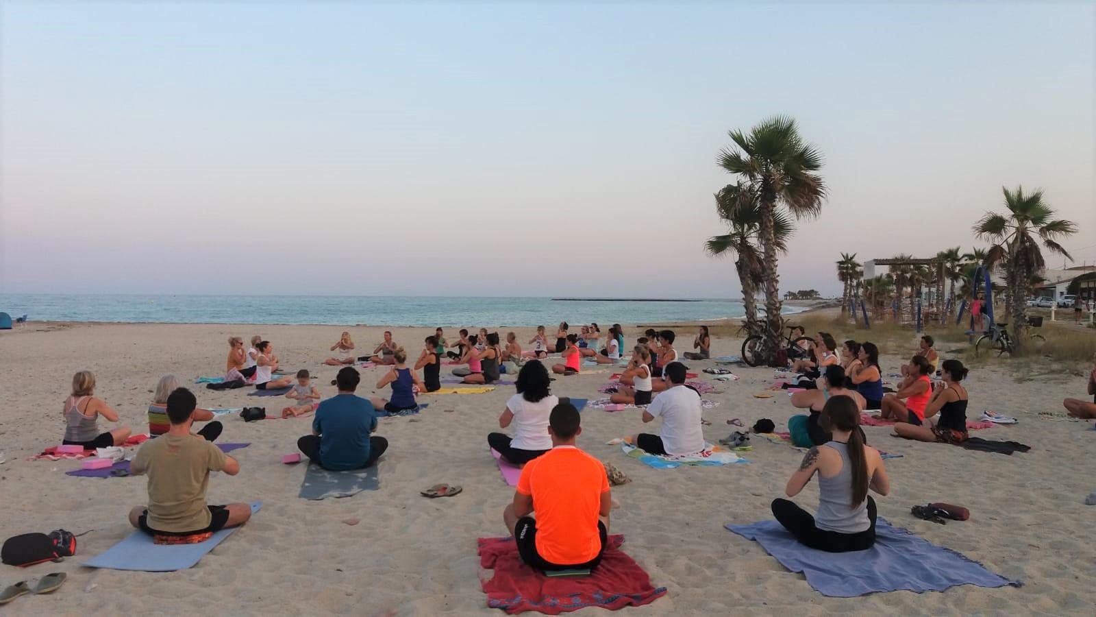 Almassora pide a Costas un área de motos naúticas, alquiler de hamacas y otra terraza en la playa este verano