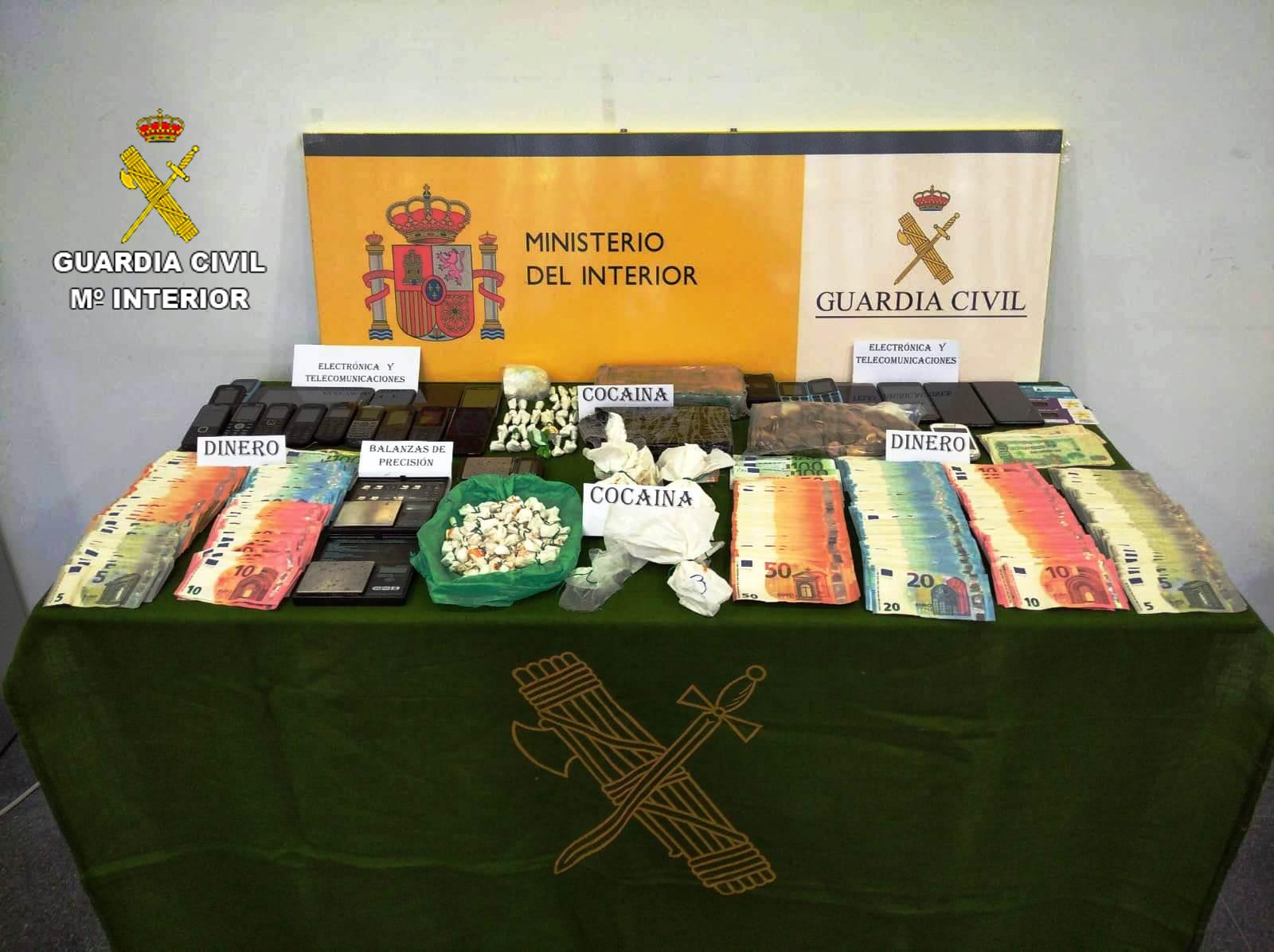 """La Guardia Civil desmantela dos grupos que distribuían droga por el método de """"telecoca"""" en Oropesa del Mar"""