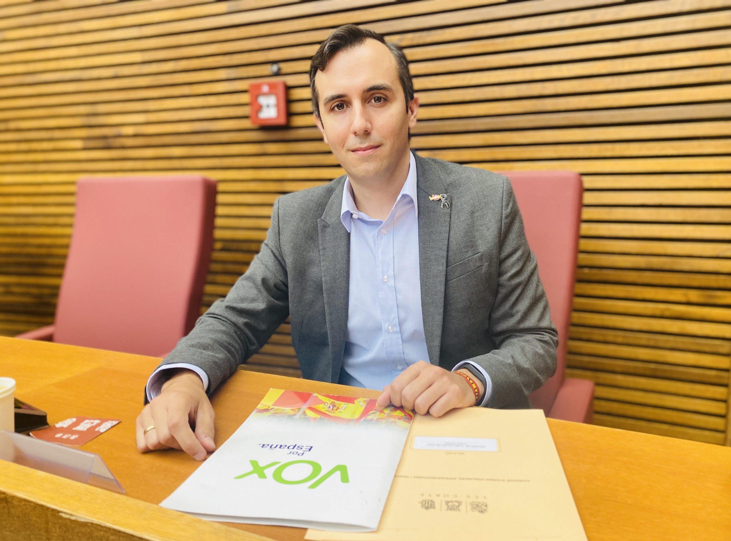 VOX acusa al vicepresidente Dalmau (Podemos) de falta de transparencia, falta de honestidad y enchufismo
