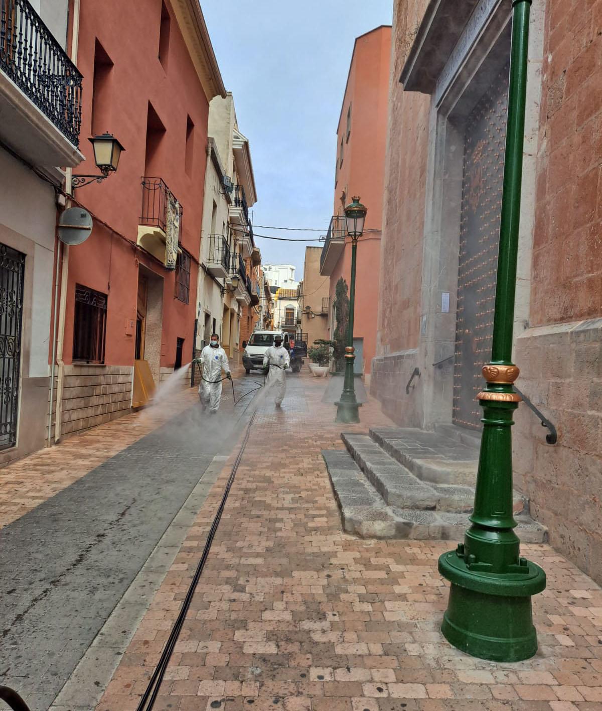 El Ayuntamiento de Almenara continúa con ele programa de desinfecciones tanto del núcleo urbano como de la playa Casablanca