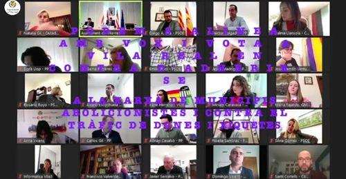 Compromís per Vila-real lamenta que Podem i Vox s'alineen per a votar en contra de l'abolició de la prostitució i del tràfic de persones amb finalitat d'explotació sexual