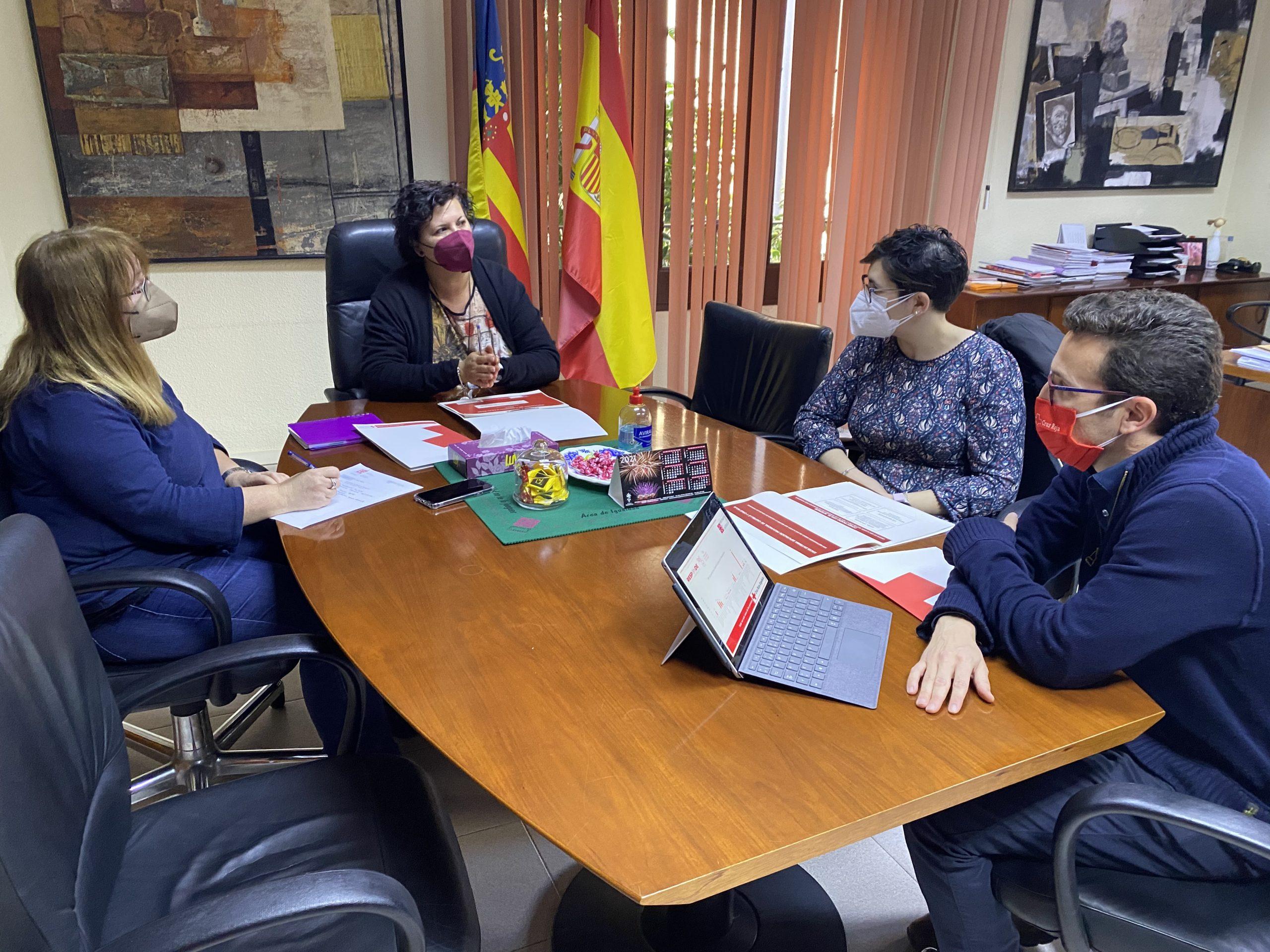 La Diputación de Castellón subvencionará con 100.000 euros la atención de Cruz Roja a personas vulnerables en municipios con riesgo de despoblación