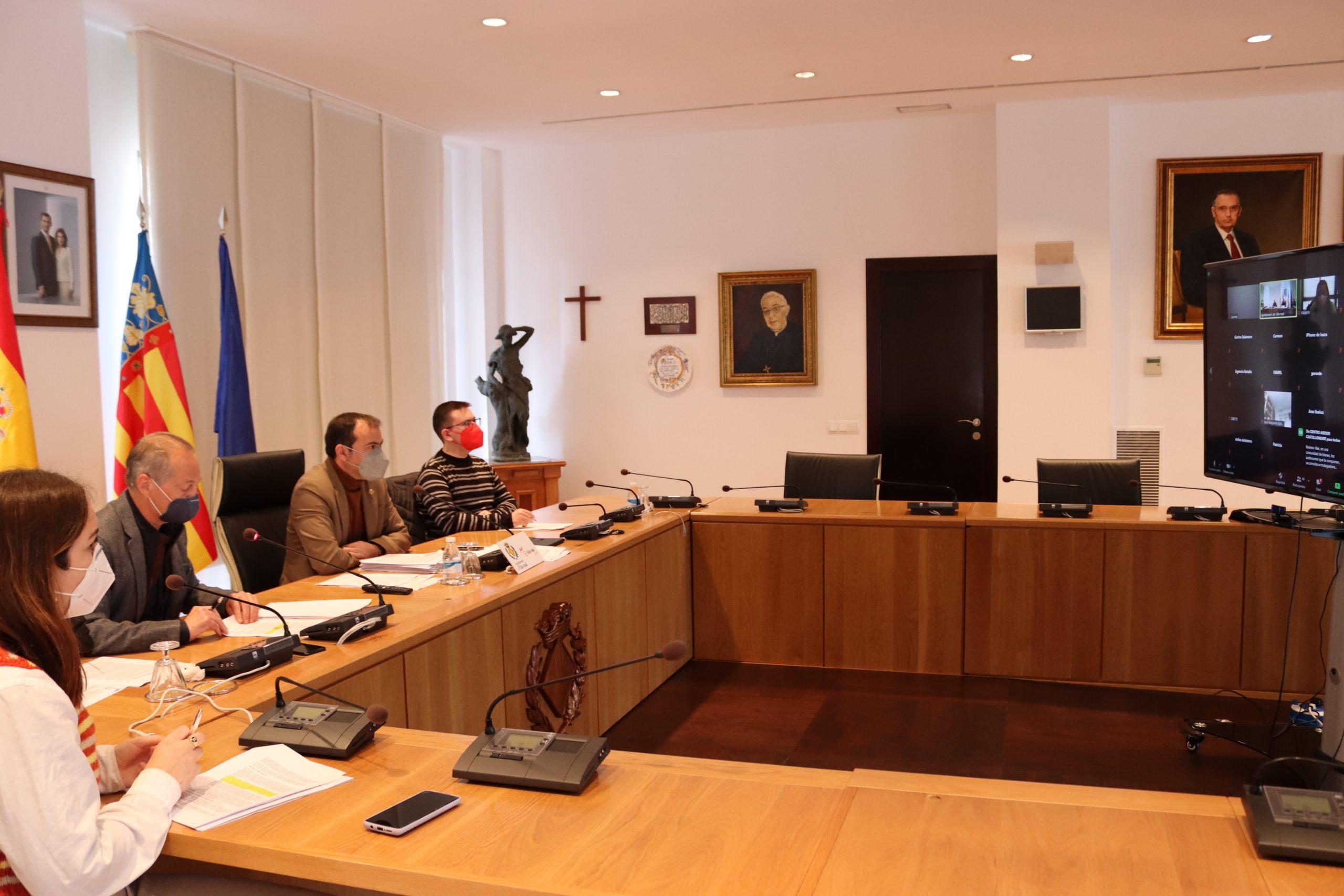 Vila-real consensúa con grupos políticos y gestorías las bases para conceder las ayudas a sectores afectados por la covid-19