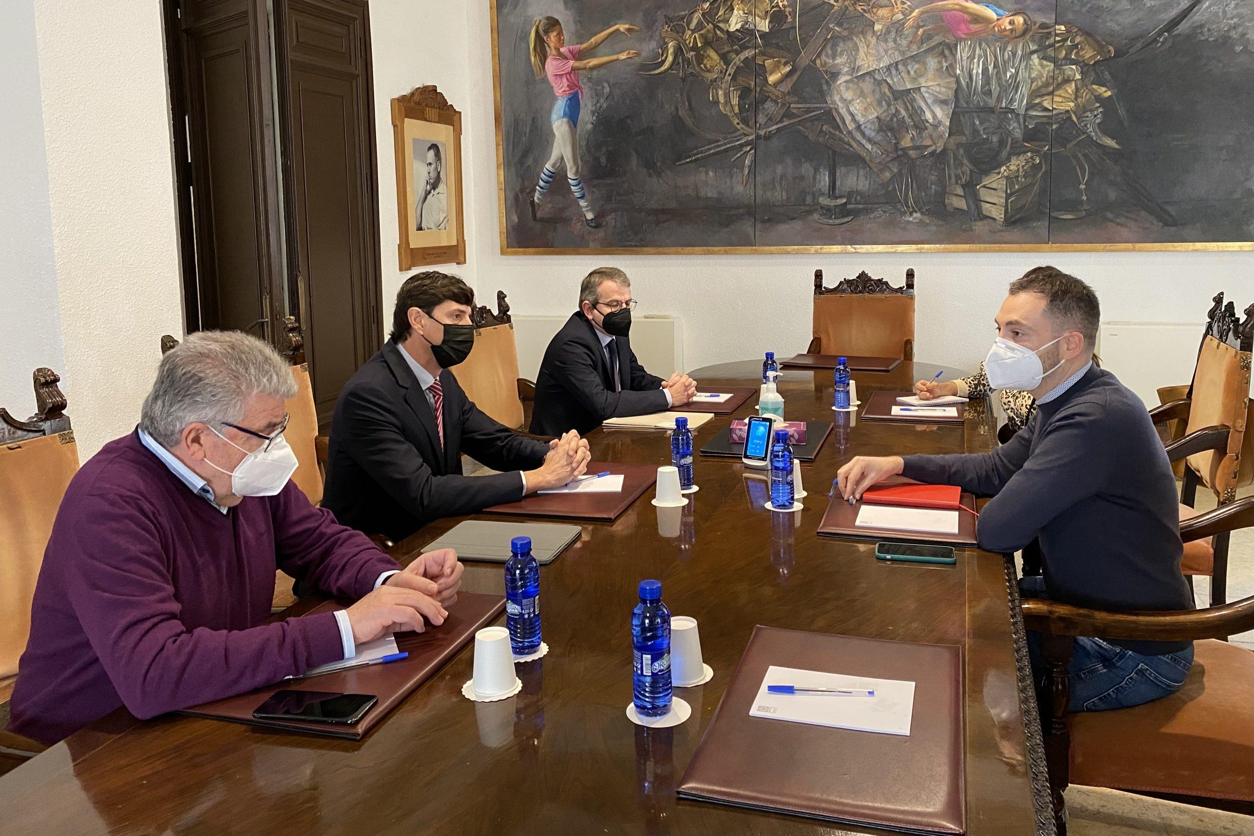 La Diputación de Castellón reforzará la promoción del uso de la cerámica en ámbitos urbanos fuera de la provincia