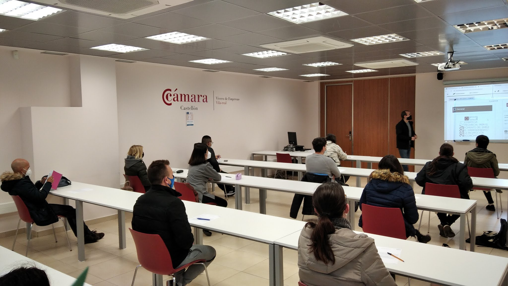 Economía de Vila-real arranca la formación para el empleo con el curso de Gestión y organización de almacenes
