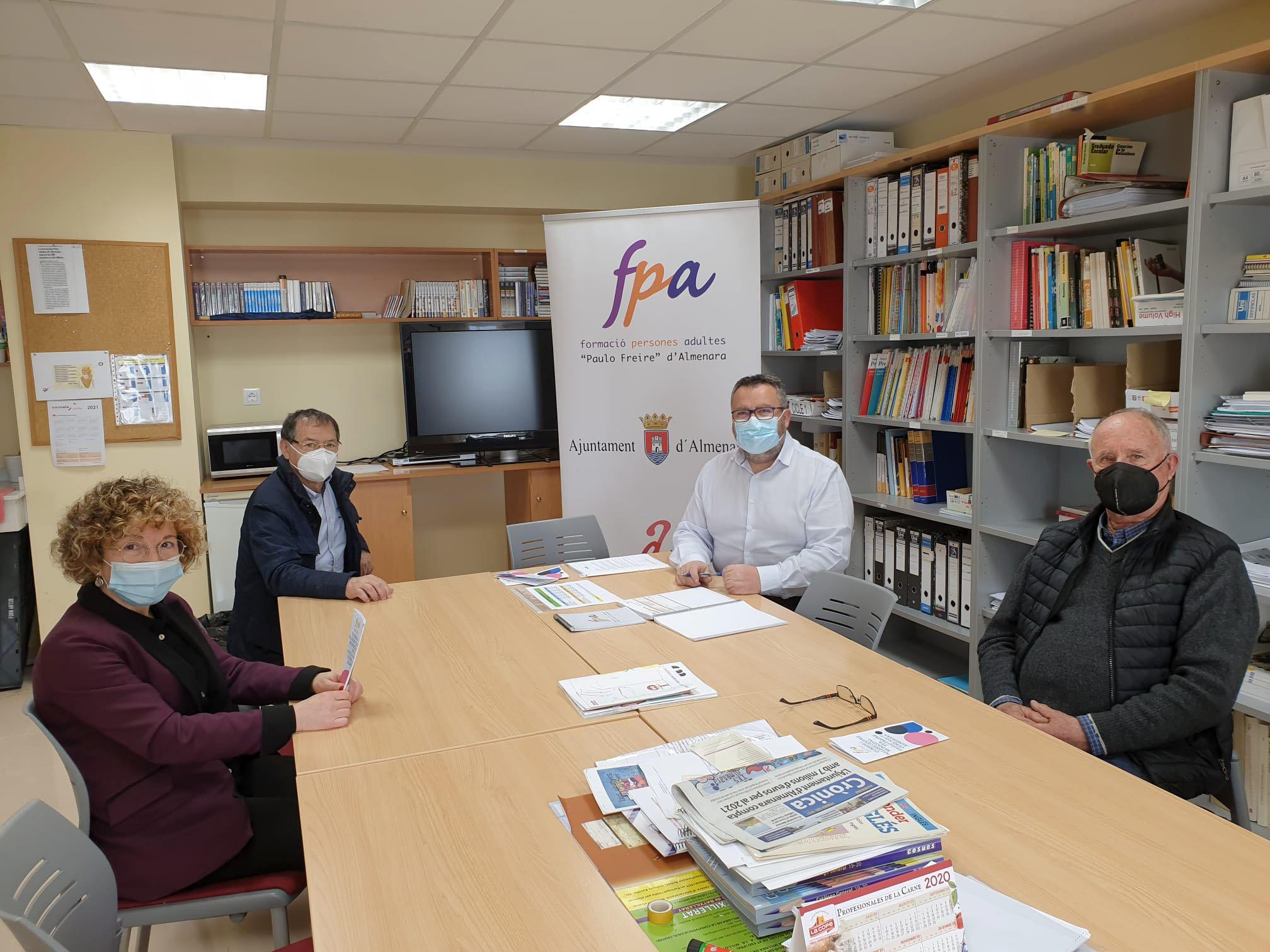 El Centre FP Paulo Freire recibe, como todos los años, el apoyo de Caixa Rural Almenara