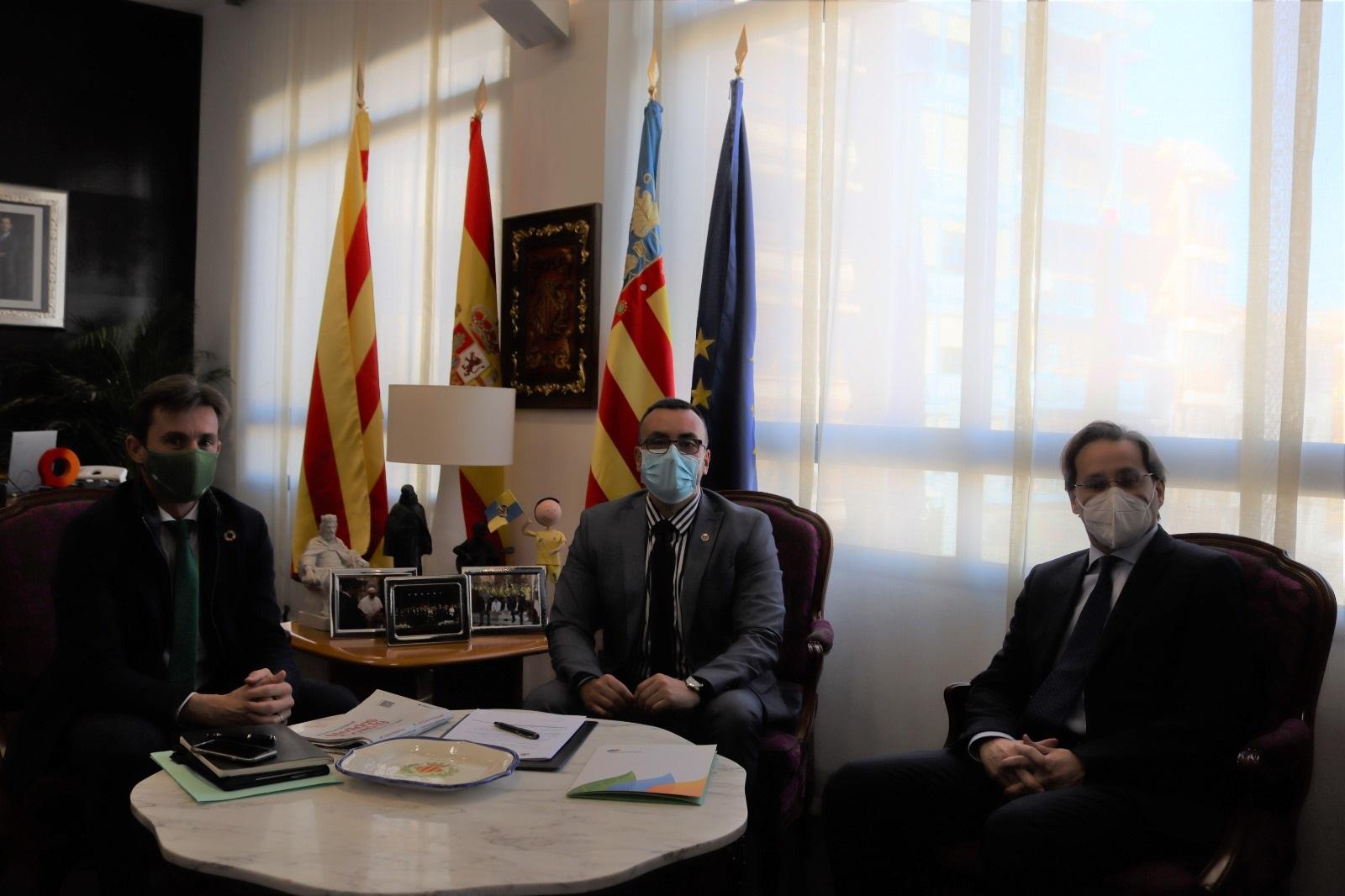 Benlloch aborda con el delegado de Iberdrola en la Comunitat Valenciana proyectos de futuro en el ámbito de las energías renovables y la lucha contra el cambio climático