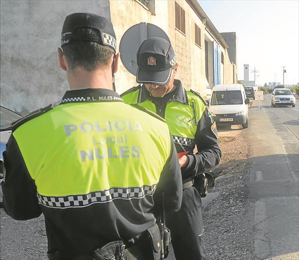 La Policía Local de Nules detiene a una persona sobre la existían varias órdenes de detención