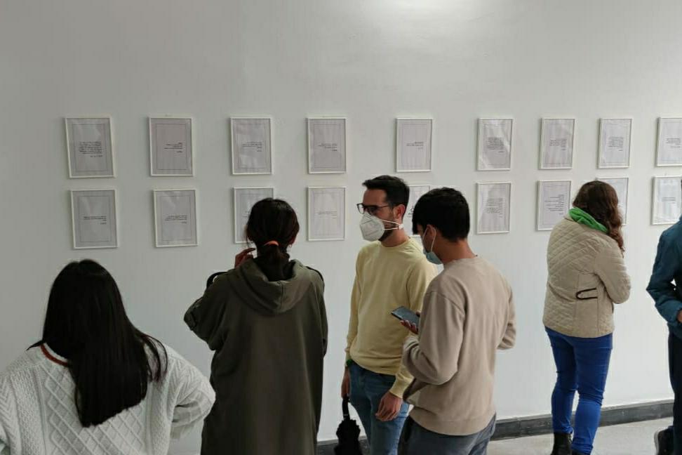 Los niños y niñas participantes en los programas sociales de la Fundación Ángel Tomás presentan una exposición de microrrelatos en el CMC la Mercé de Burriana