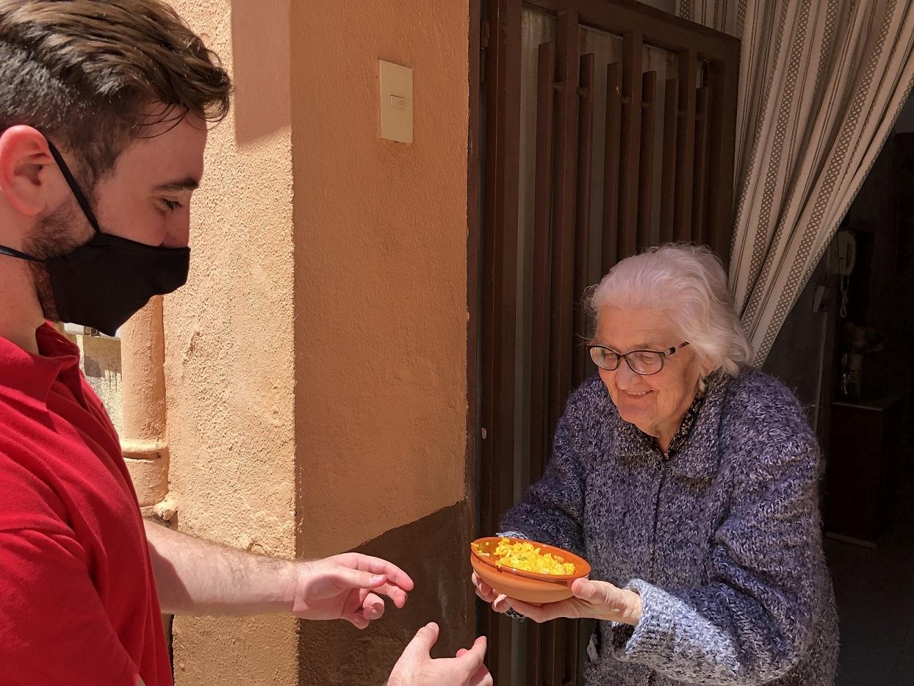 Más de 600 mayores de Almassora recibirán arroz de les Calderes en el día de Santa Quitèria