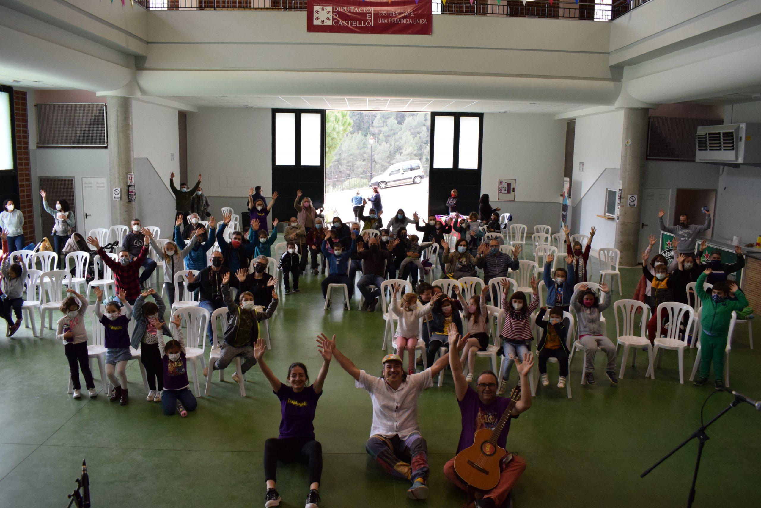 Exitoso concierto de Trobadorets para volver a la actividad  cultural en Ludiente