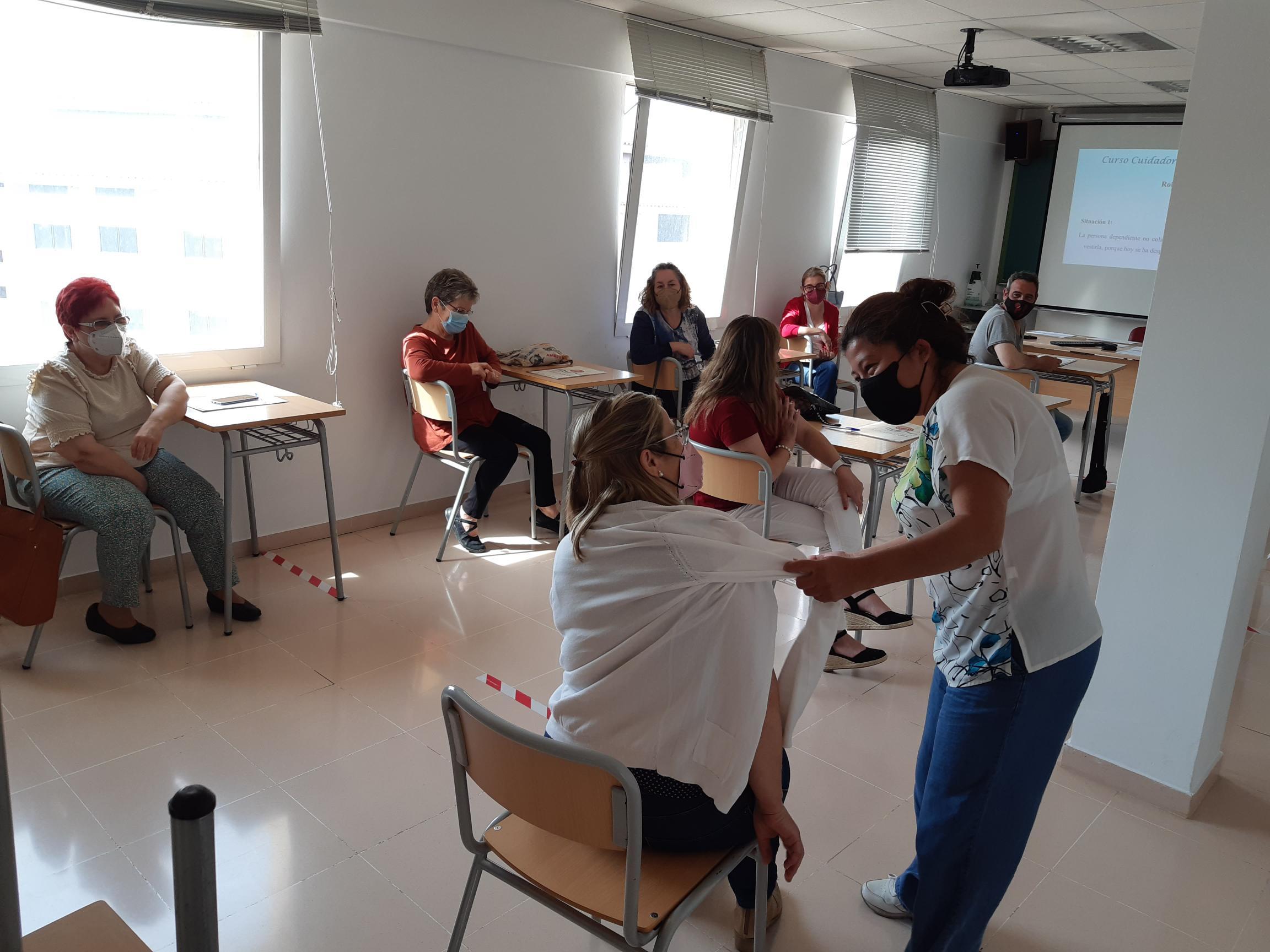 El Ayuntamiento de Almenara realiza un curso para personas cuidadoras no profesionales