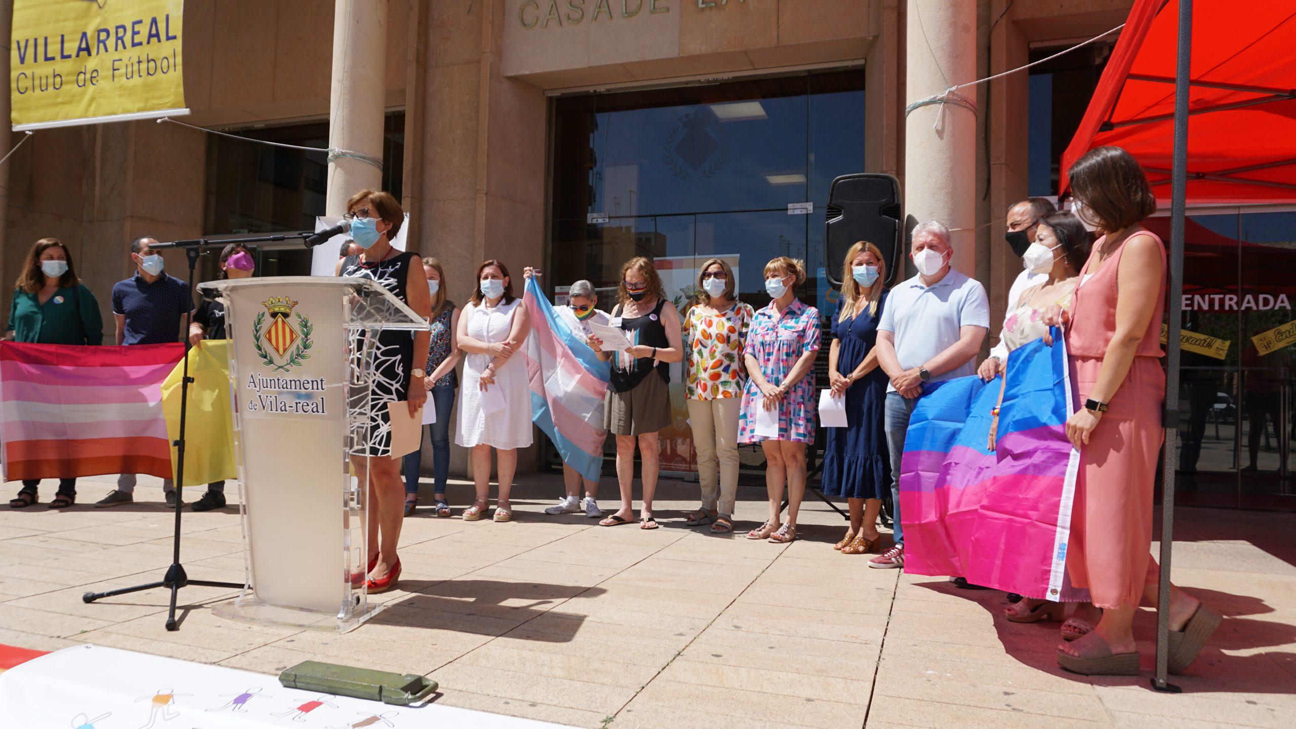 Lectura del manifest amb motiu del Dia de l'Orgull LGTBIQ+ en Vila-real