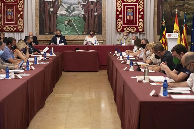 La Diputación aprueba por unanimidad abrir una mesa de diálogo social en el Consorcio Hospitalario Provincial de Castelló