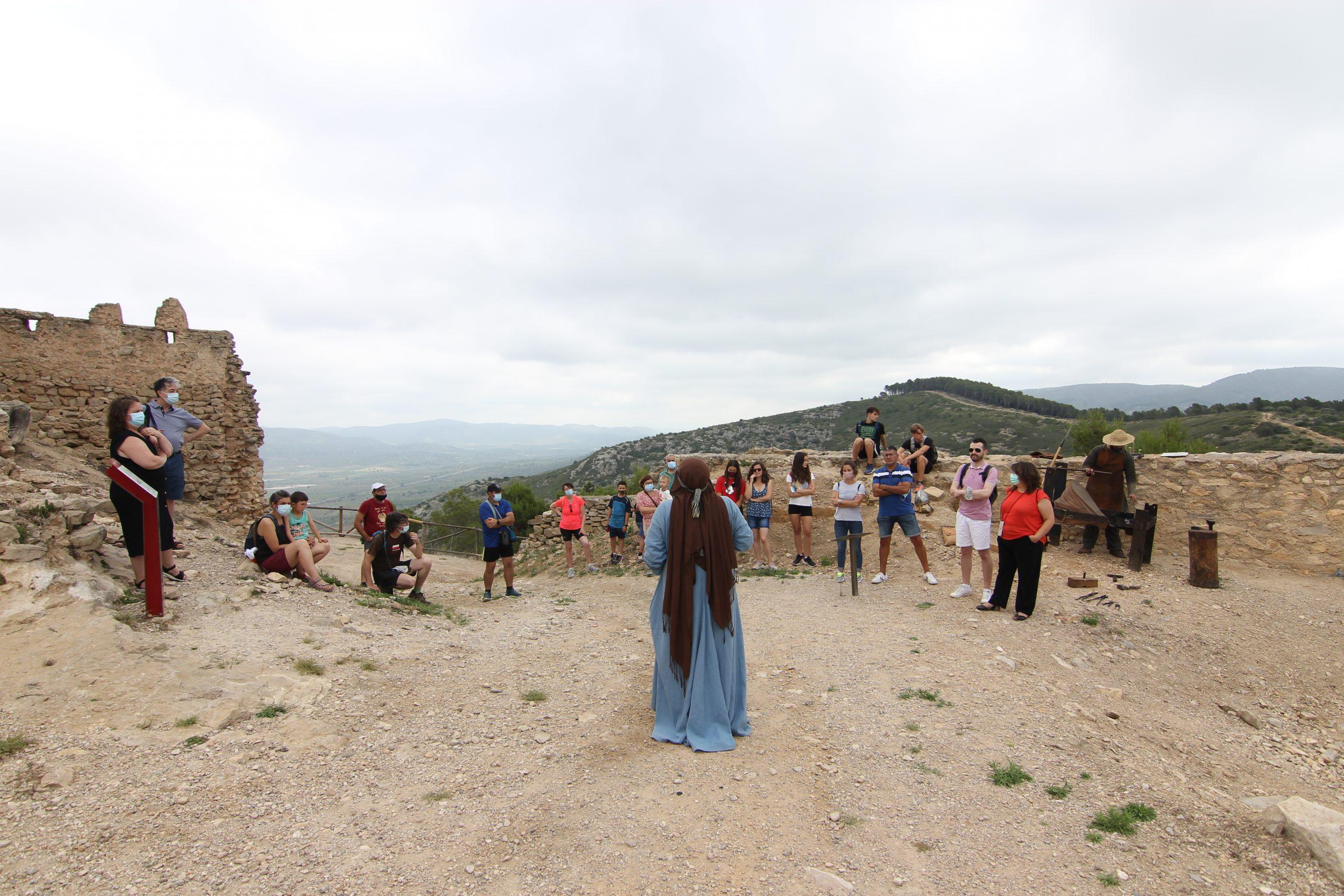 """El castillo de Xivert revive su época dorada con el proyecto de recreación histórica """"Els teus castells"""" impulsado por la Diputación de Castellón"""