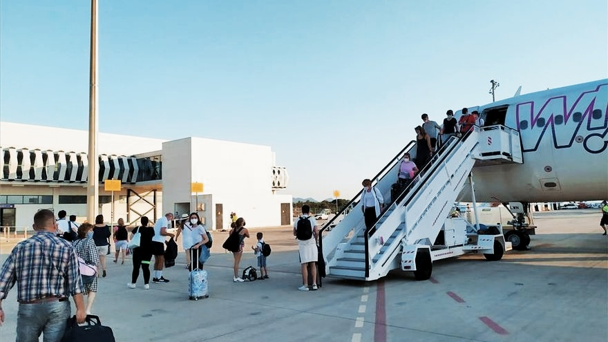 El aeropuerto de Castellón recupera la ruta de Bucarest con dos frecuencias semanales