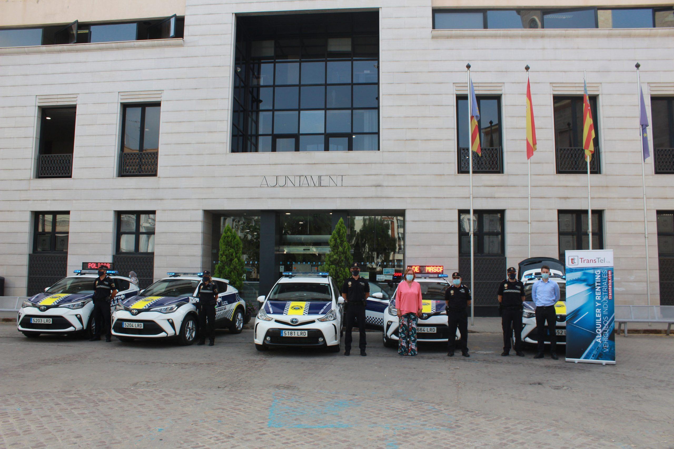 El Ayuntamiento renueva parte del parque móvil de la Policía Local de Burriana con 5 nuevos vehículos patrulla híbridos