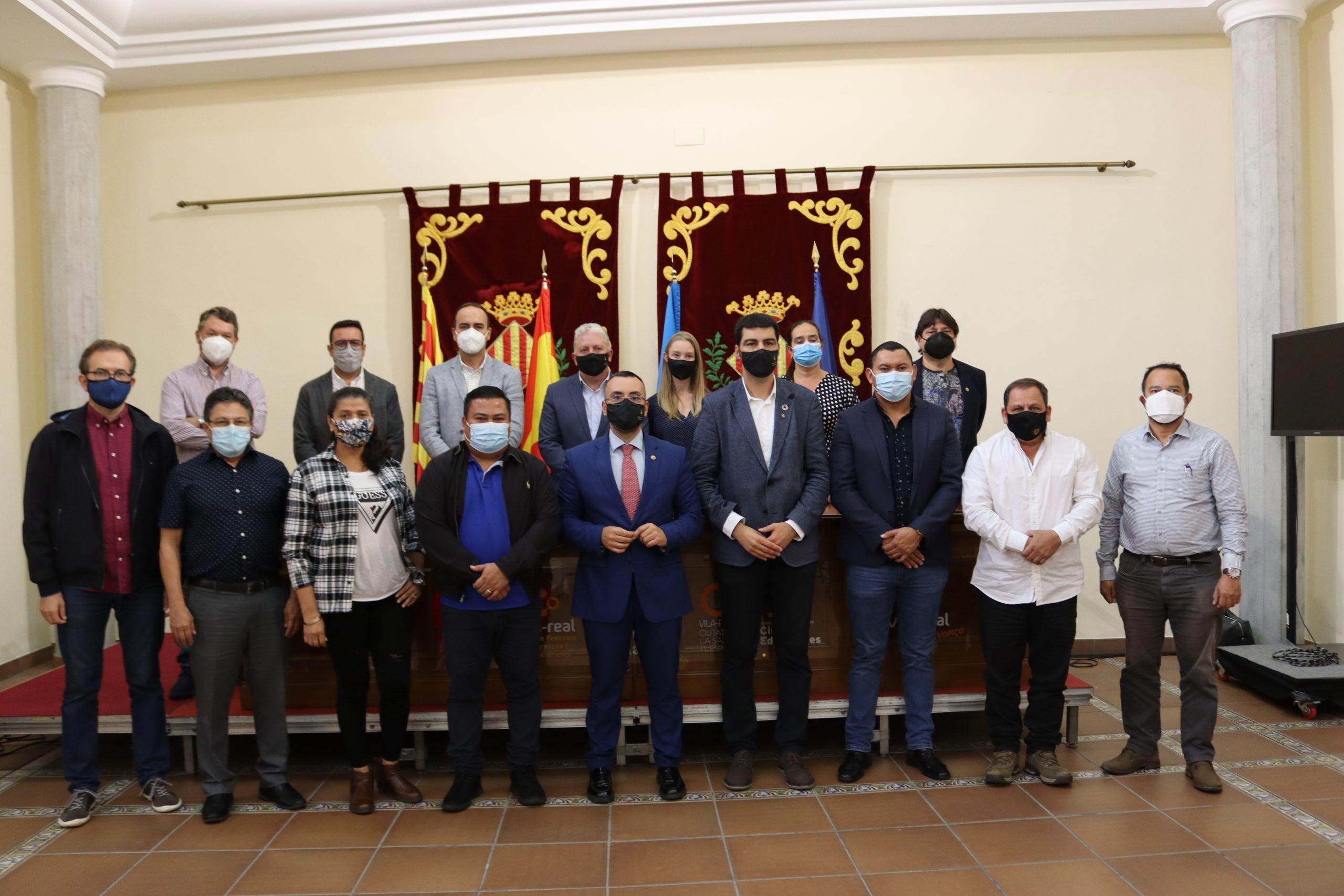 Vila-real recibe a una delegación de alcaldes y alcaldesas de El Salvador interesada con las políticas de buen gobierno
