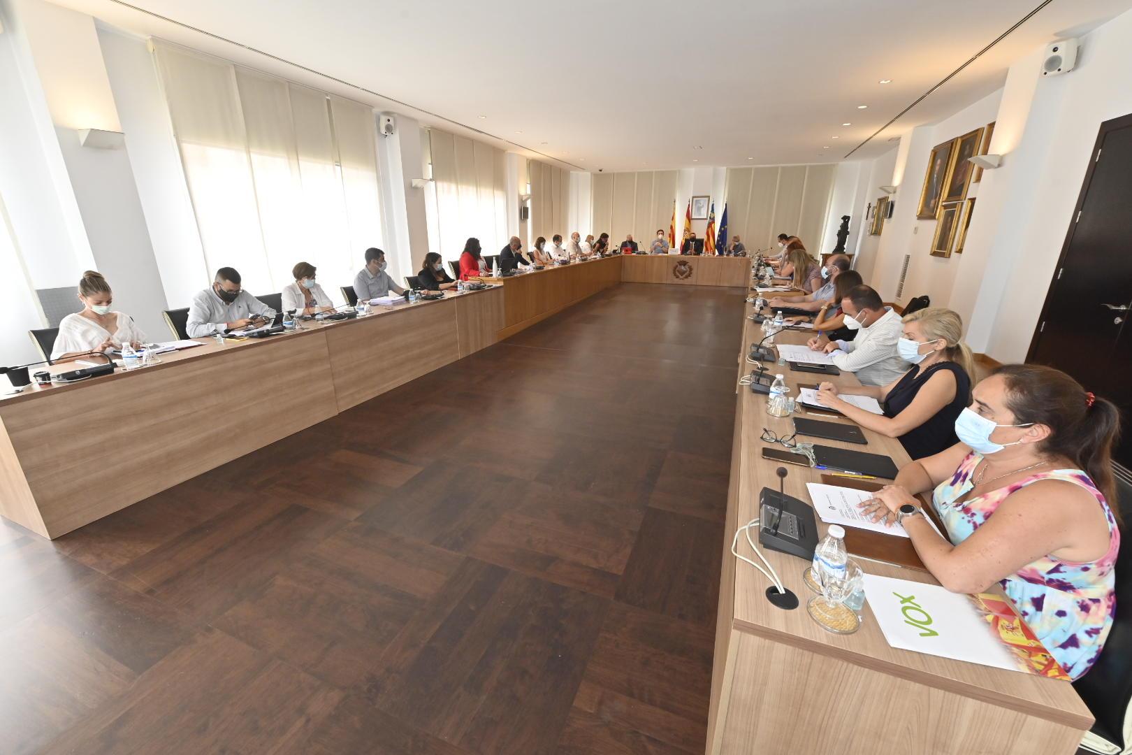 El Pleno de Vila-real adjudica por unanimidad el contrato de autobús urbano gratuito para un servicio más moderno y sostenible