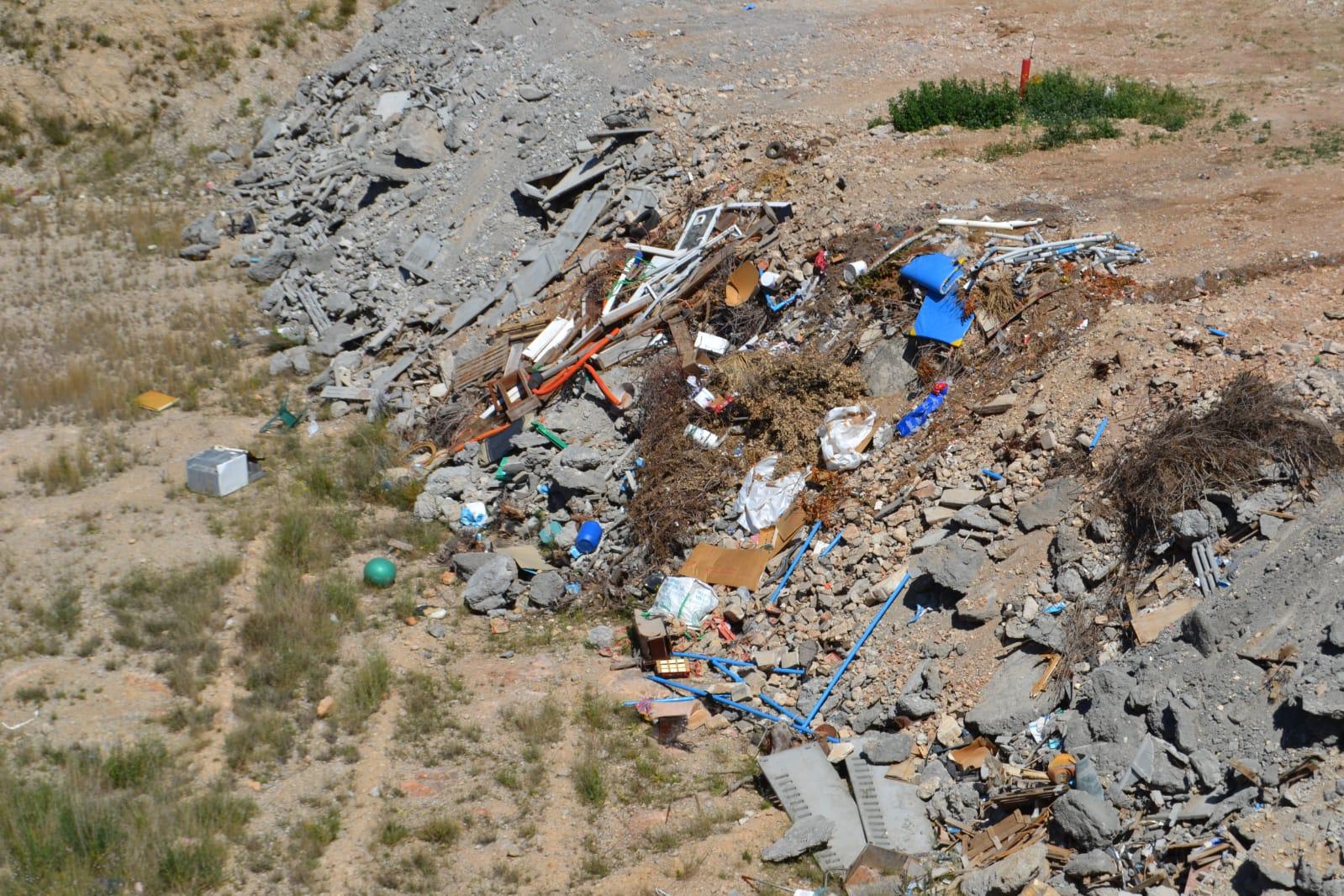Cuartiella (PSPV-PSOE) pide información sobre la sanción que ha recibido el gobierno del PP por el vertido incontrolado de residuos en Sant Rafel del Riu