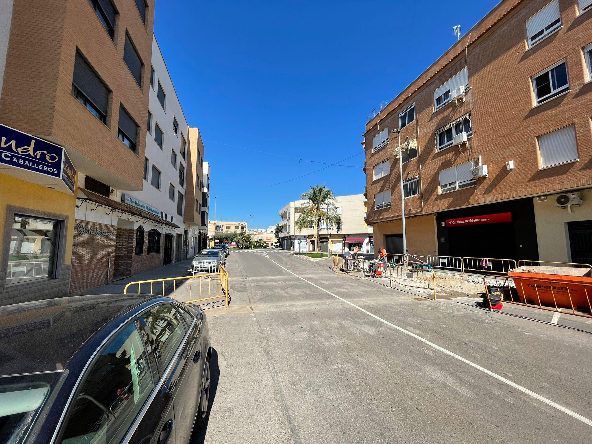 Nules mejora la accesibilidad de la Avenida Diagonal con la construcción de una paso elevado de peatones