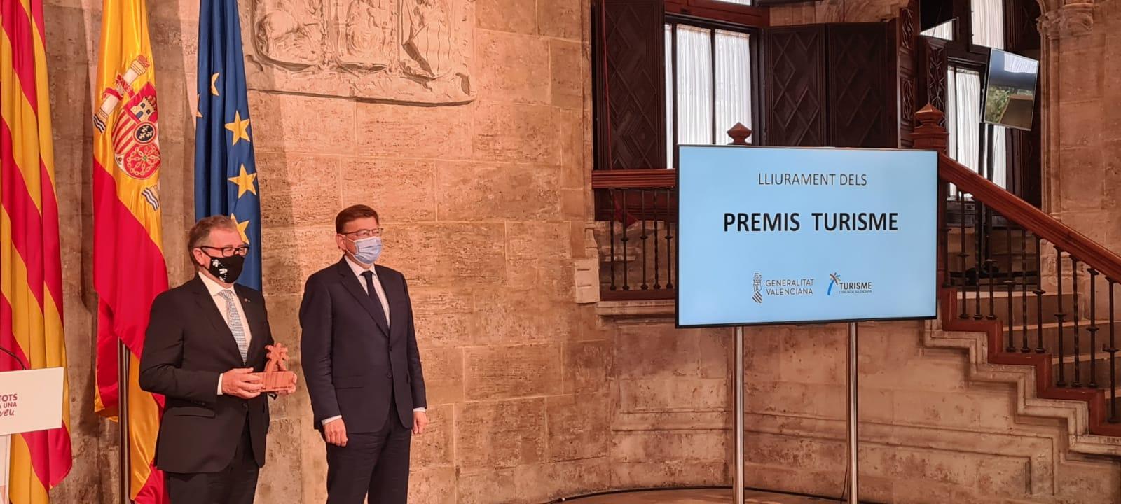 El presidente José Martí aplaude el esfuerzo de empresas y productores gastroturísticos de Castellón tras recibir el premio de Turisme CV