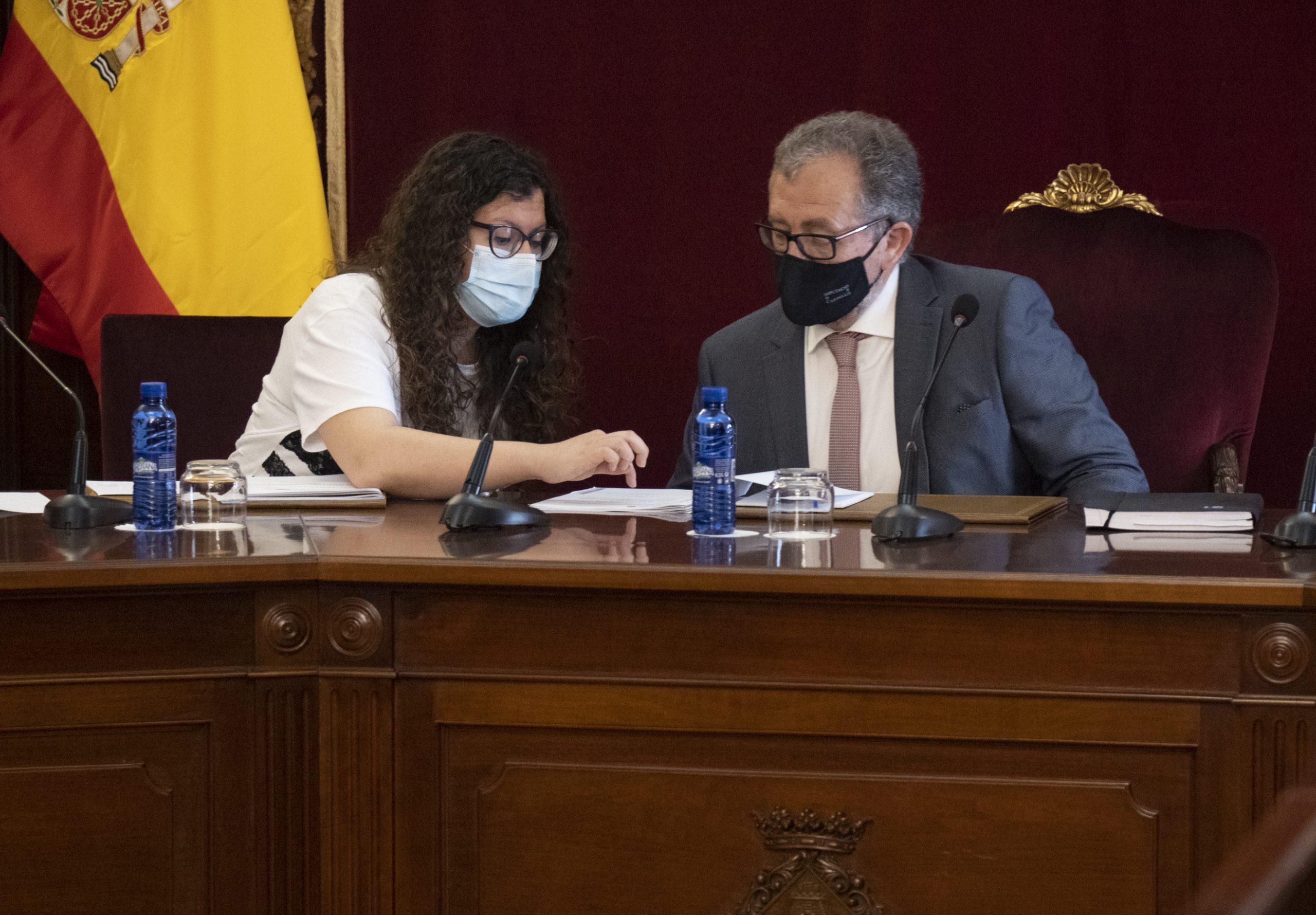 El equipo de José Martí apuesta por la prevención contra la corrupción introduciendo en la Diputación una guía de buenas prácticas de contratación